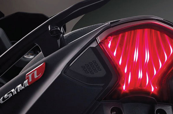 LED OPTICAL FILM makes the tail light an iconic symbol with its 3D dazzling flame effect.